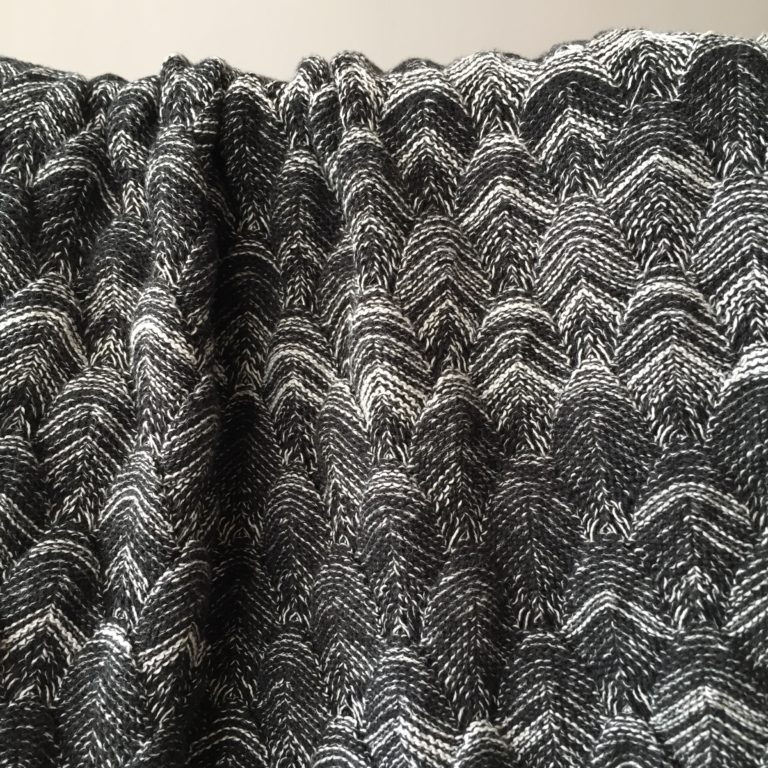everest-cotton-throw-black-marled