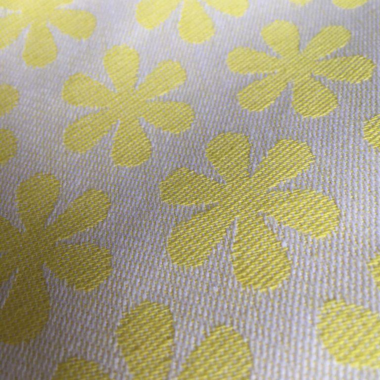 teatowel-flowers-yellow-detail