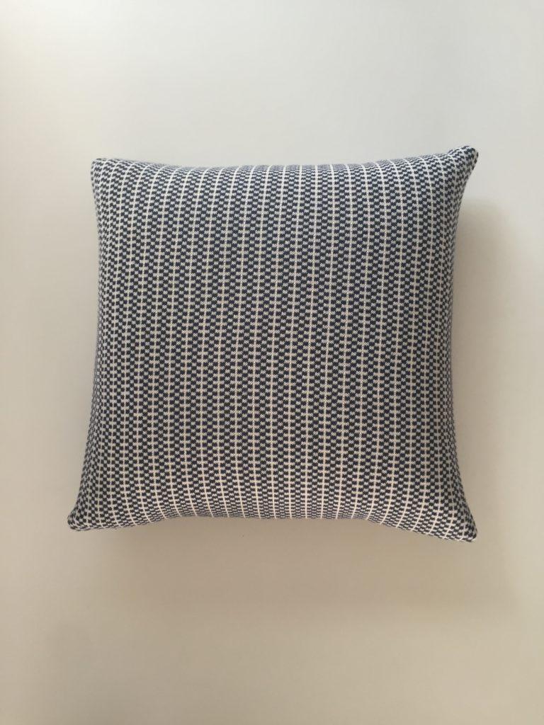 checks cushion