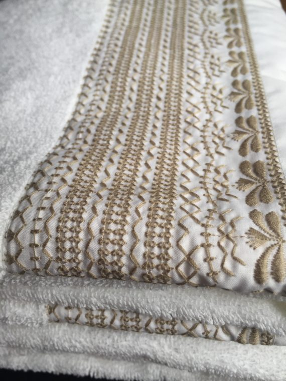 Mayotte taupe towel